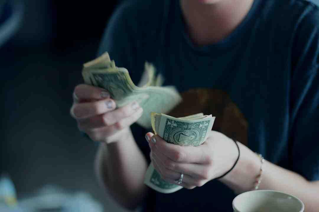 ¿Cuánto cuesta una contadora de billetes?