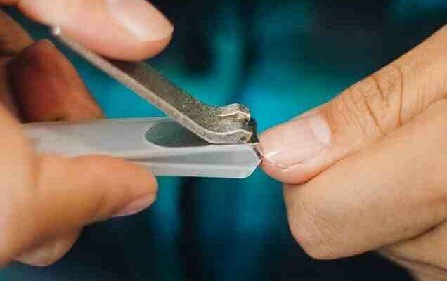 Como Consertar um Cortador de Unha