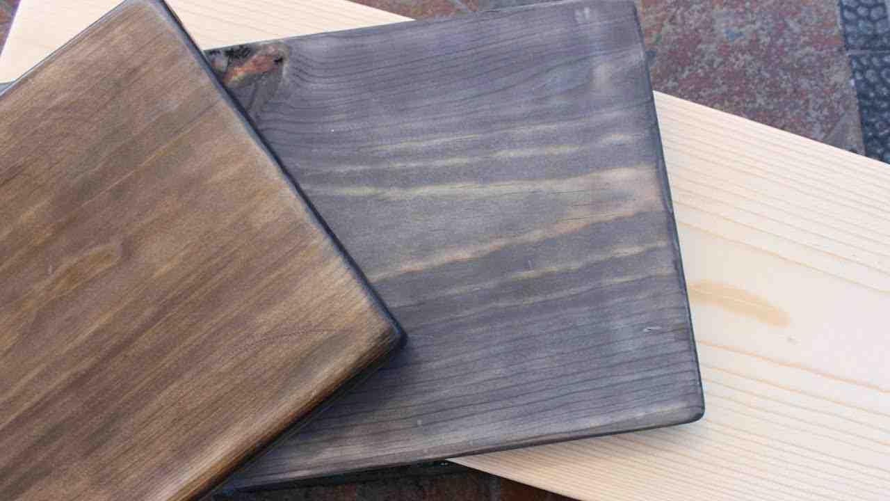 ¿Cómo aclarar un mueble de madera oscura?