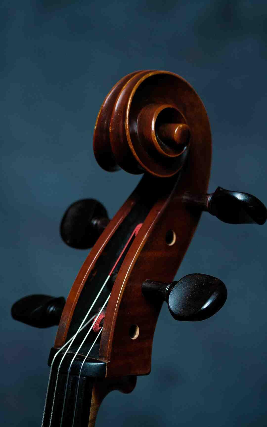 ¿Qué signos y figuras musicales se usan en una partitura?
